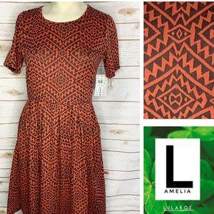 L Amelia black and orange geo print w/pockets